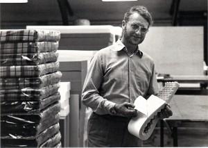 Skumgummi blev livets vej for den ihærdige virksomhedsejer. Her ses han på sin virksomhed på Industrivej i Nymølle.