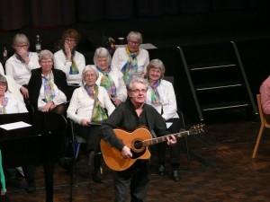 "Visesangeren Jørgen Nielsen sang om ""Pigen fra Havanna"""