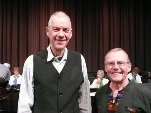 """Visesangerne Hans Aagaard og Per Kruse kender vi fra mange forskellige musikalske sammenhænge. Ved forårskoncerten i Galaksen den 1. marts sang de Glunternes """"En måneskinsnat på Slotbakken""""."""