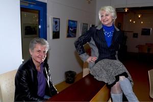 Laila og Jørgen Nielsen har optrådt sammen i 35 år. Her er de lynskudt under en prøve i Skovlunde Medborgerhus.