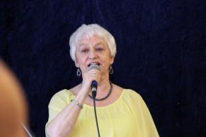 """Laila H. Nielsen foredrog gribende og tankevækkende Kim Larsens og Brd- Lund Madsens """"Stille"""" og """"Avenu"""" fra musicalen """"Mr. Nice Guy""""."""